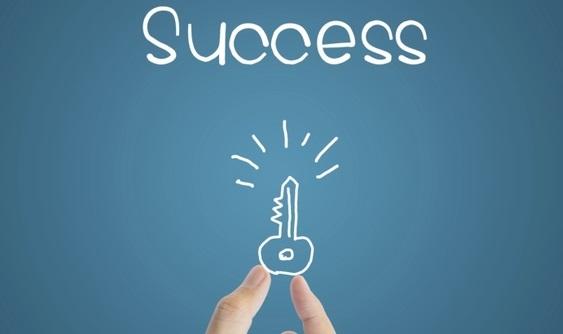 چطور با خود صحبت کنیم تا به فردی موفق تبدیل شویم؟
